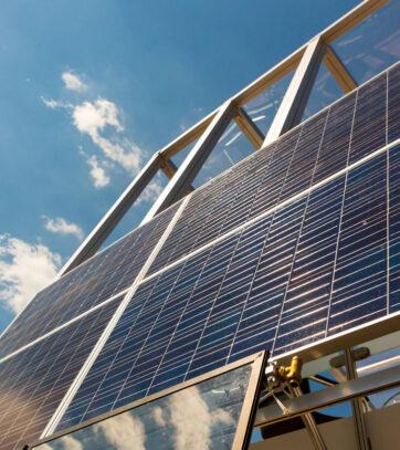 solar-panel-sun-battery-alternative-energy-PLXTYRW
